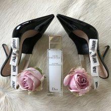 Dior'un Omuz Askıları ve Ayakkabı Kayışları
